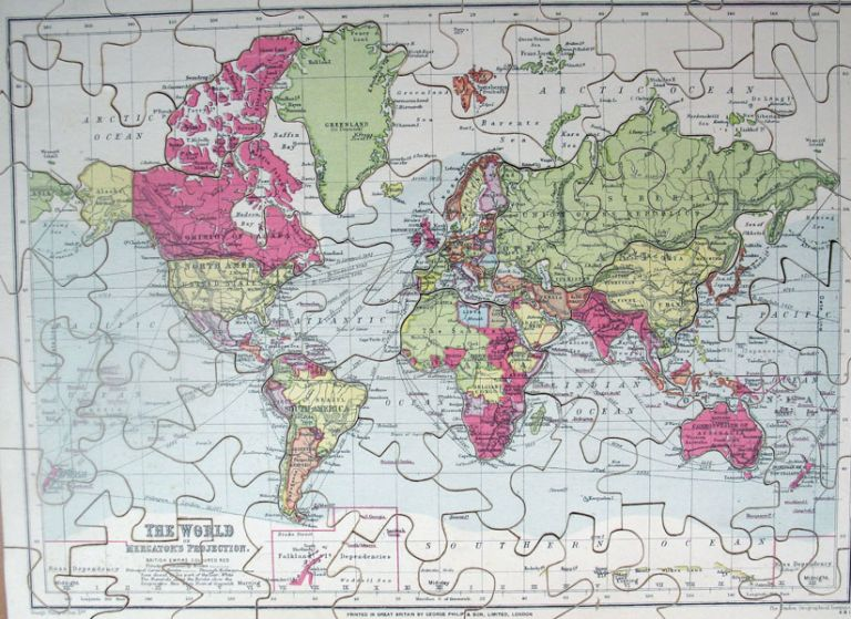 [Jigsaw Maps] The World on Mercator's Projection. / Scotland. / Europe. George PHILIP, Ltd Son.